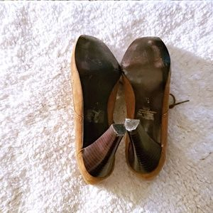 Kelly & Katie Shoes - FAIRLY NEW KELLY AND KATIE HEELS BROWN SIZE 7 1/2